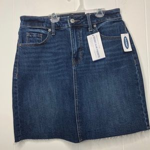 NWT Old Navy blue high waisted Jean skirt. Size 0